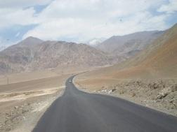 endless-road-india-himialayas