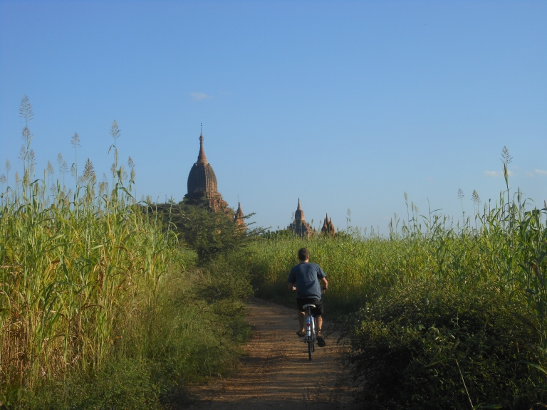 Cycling in Bagan, Pagan, Burma, Myanmar, Travelling, Southeast Asia, South East, Backpacking, Traveling